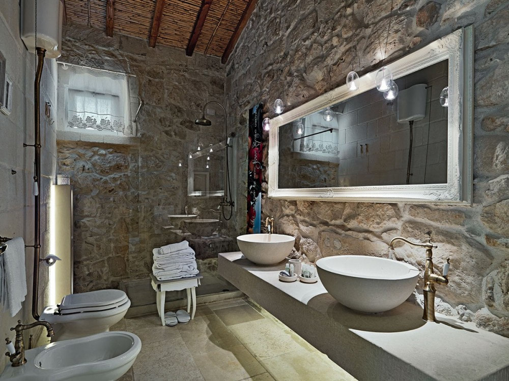 When You Have Stone Walls Flaunt Them And Mix Modern With Traditional Fixtures